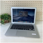 Apple MacbookAir 13.3インチ MD760J/A
